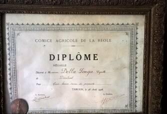 Diplôme reçu en 1956 par les parents de Gérard Della Longa du Château Faurie